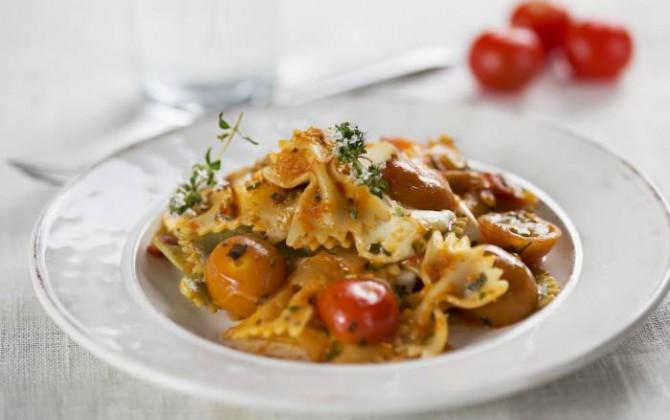 pasta con pomodorini e mozzarella
