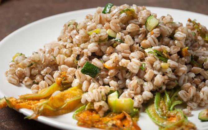 Un primo piatto che non è ne pasta, né riso e però è fatto di grano!