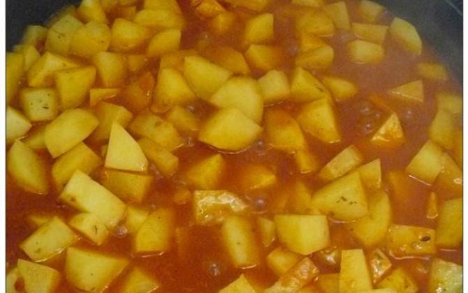 patate al pomodoro