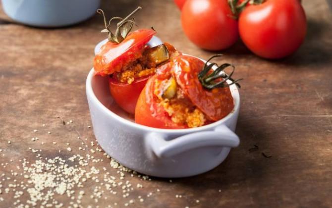 Pomodori ripieni di cous cous al forno