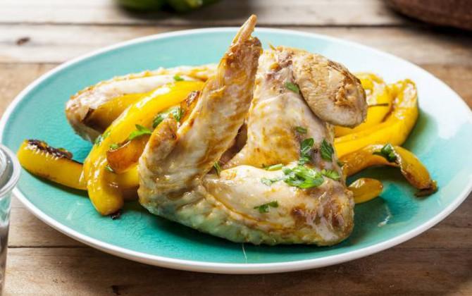 Ali di pollo con peperoni