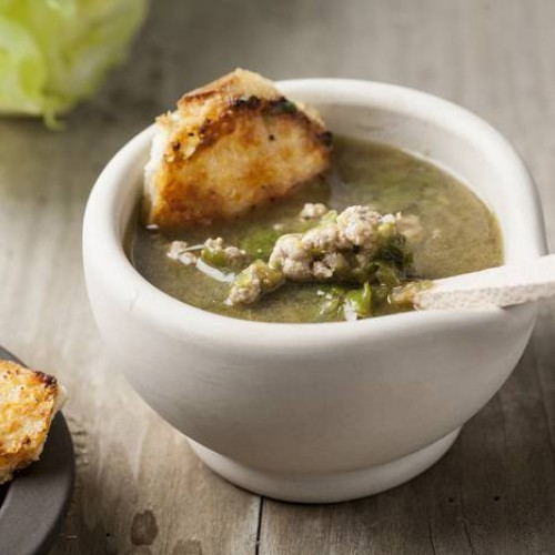 Zuppa di scarola e manzo