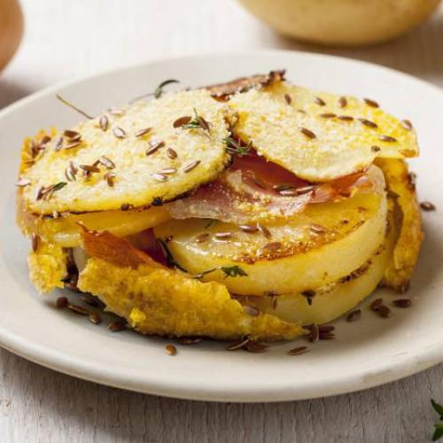 Tortino di patate, prosciutto di Praga e semi di lino
