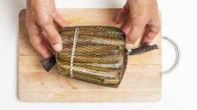 Lavate i cannollicchi e lasciateli in ammollo affinché spurghino la sabbia. Intanto preparate il brodo con il Mio Dado Star – Vegetale con 9 verdure
