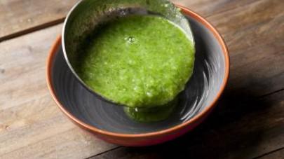 Servite con crostini di pane e un filo di olio extravergine di oliva versato a crudo.